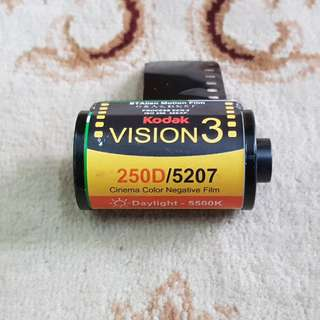 Kodak Vision 3 250D Motion Picture Cinema Film Roll ( 5207 Production Series ) 35mm
