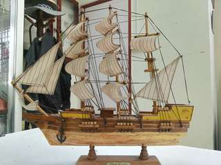Crafting wooden ship