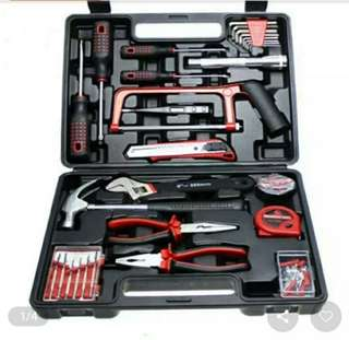 Tools set 32pcs hardware repair box..