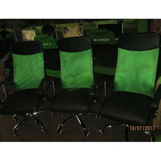 HB-168 MESH EXECUTIVE CHAIR COLOR GREEN--KHOMI