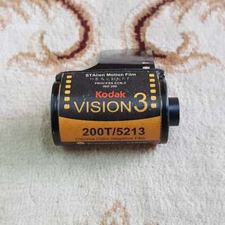 Kodak Vision 3 200T Motion Picture Cinema Film Roll ( 5213 Production Series ) 35mm