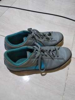 Sepatu nike ORI