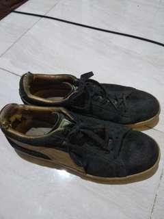 Sepatu puma suede black gold ORI