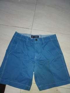 Celana pendek/santai