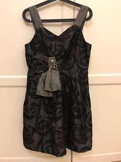 🚚 黑銀洋裝