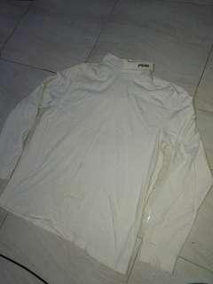 Sweater putih polos tebal