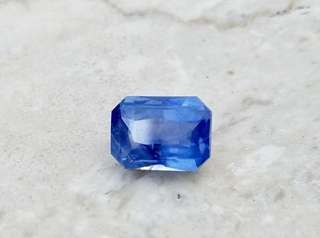 Blue Sapphire with Certificate