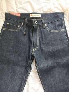 (全新)FDMTL unwashed jeans size 34