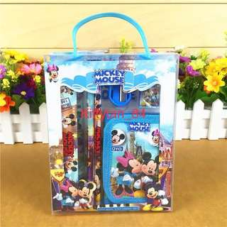2018 Design ($2 each for above 30 sets)Brand New Children's Birthday Party Goodies Bag / Gifts / Stationery / Spider-Man / Frozen / Minions / Mickey and Minnie / Doraemon / Princess/Carz/ Hello Kitty/ Mc Queen