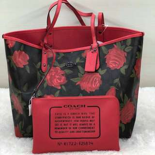 Coach Reversible tote sz 45/32x28  (reversible, can be worn both sides)