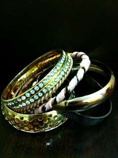 🆕️ Assorted Bangles in One