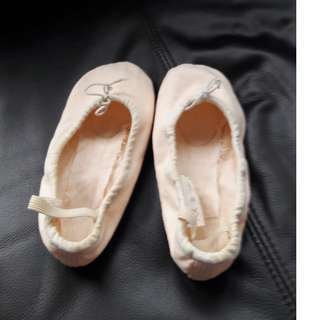 Mint Condition Ballet shoes And Brand new ballet skirt
