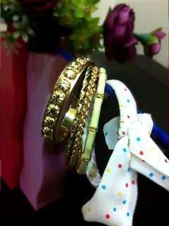 🆕️ White & Gold Bangles Set