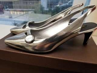 LV 銀色大扣短錚鞋