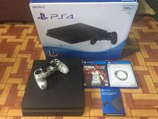 Ps4 slim Complete with 2 games