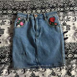 Wrangler mini skirt with patches!
