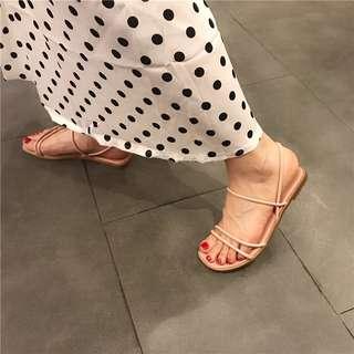Open toes sandals