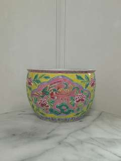 70s Peranakan Pot height 21cm diameter 31cm perfect condition