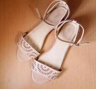 Size 8 Ankle-Strap Flat Sandals