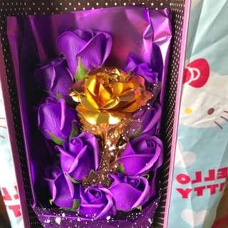 母親節送女友老婆表白情人節生日禮物(請選郵局寄貨,包裹超過7-11限定大小)畢業花束24K金箔玫瑰花束禮盒