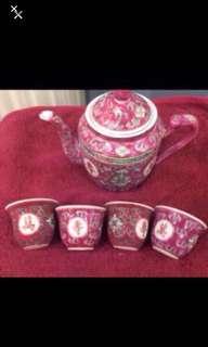 Teapot/cup set