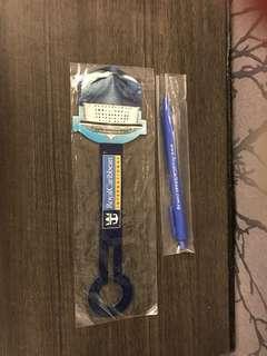 Pen and luggage tag (royal Caribbean)