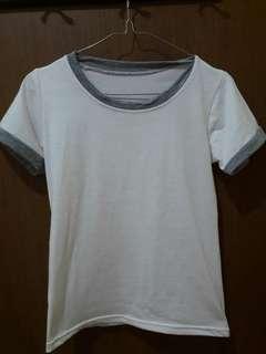 Preloved Kaos Putih Polos Fit to L Kecil Mat Kaos Katun