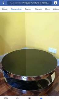 tempered glass coffee table. Diameter 3ft