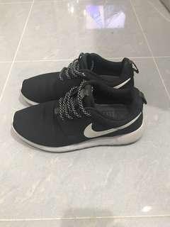 Nike shoe 鞋