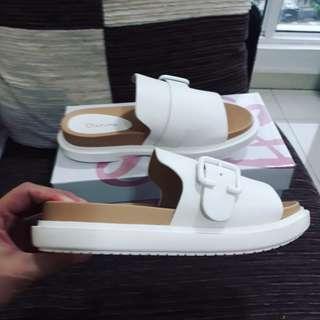 Daphne sandal