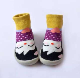 brand new sock shoes