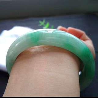 🍀(56.4mm) Grade A 冰糯 白底青 Jadeite Jade Bangle🍍