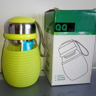 QQ cup (glass) w/ tea filter $10 (FIXED PRICE)