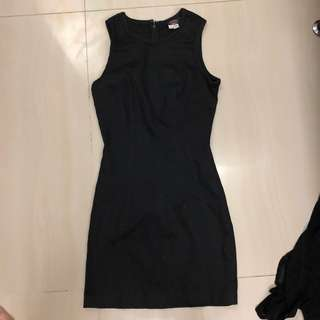 Dress hitam bodycon guess