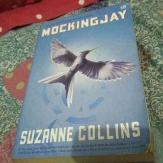 Novel mockingjay by suzanne collins #horegajian