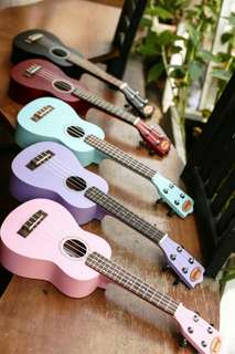 Gitar Ukulele Soprano Makoa Full Set Tas , Pick dan Senar Ukulele