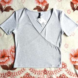 (NEW) H&M GREY TSHIRT