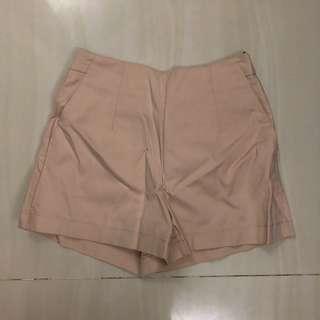 Celana pendek temt