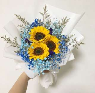 Graduation Bouquet of Sunflower with Blue Baby Breath