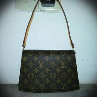 Louis Vuitton shoulder bag-Authentic