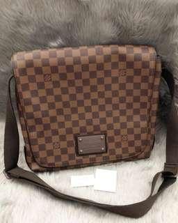 LV Messenger Bag damiere