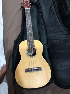 Makai solid spruce mt-70 tenor ukulele