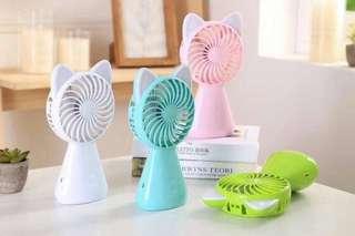 🚚 貓咪發光造形風扇 清涼手持式充電風扇  站立大風力 三段風速夏季消暑涼爽