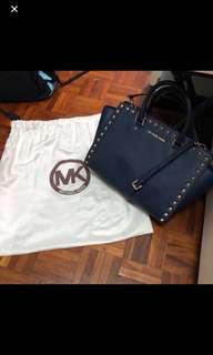 Michael kors 窩釘Navy Blue Bag