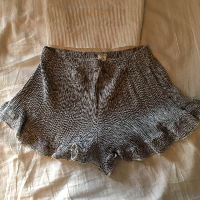 Frilly summer shorts