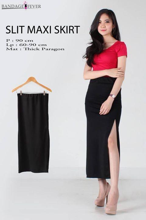 Slit black skirt