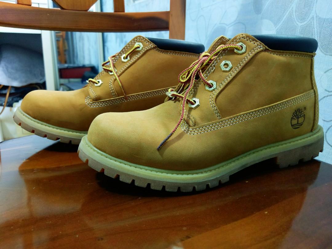 Timberland經典款防水休閒靴(降價)