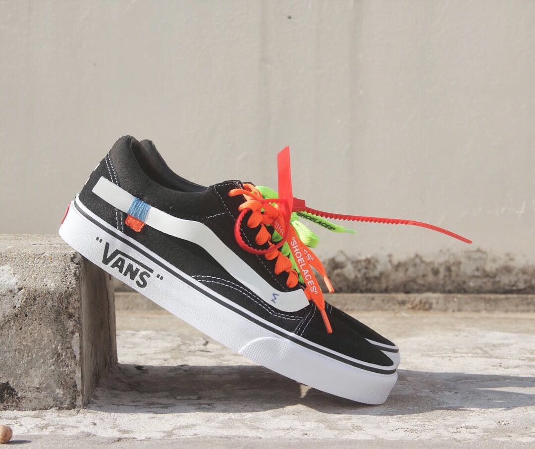 edfad0733f Vans Old Skool x Off White Customs