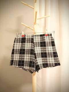 Plaid Elastic Shorts - Size 8