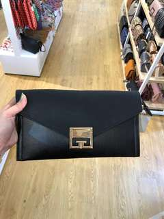 Purse (Good Quality) PRICE INCLUDE POSTAGE)
